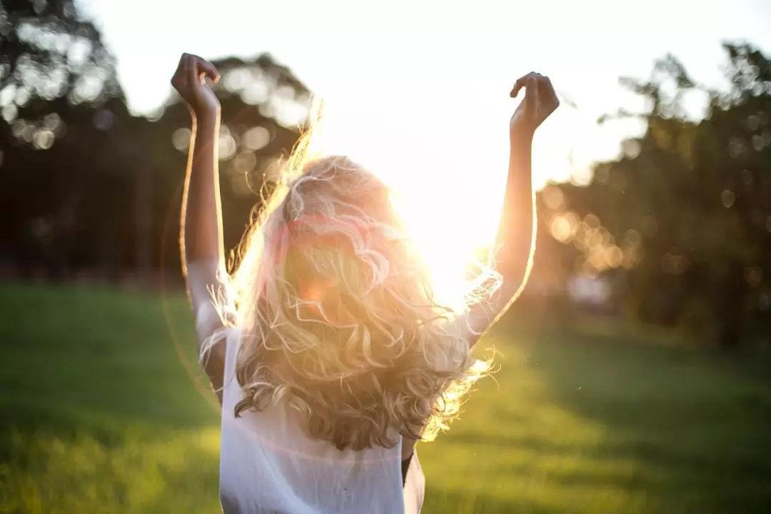 3 suy ngẫm giúp bạn vượt qua khó khăn để hạnh phúc