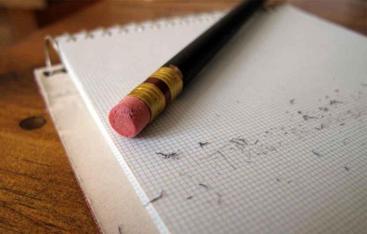 Bút chì và cục tẩy